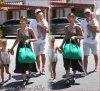Dimanche 12 Août 2012 : Jessica , Cash, Honor & Haven allant manger au Pain Quotidien