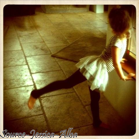 Jeudi 11 Octobre 2012 : Jessica arriant à son bureau dans Santa Monica