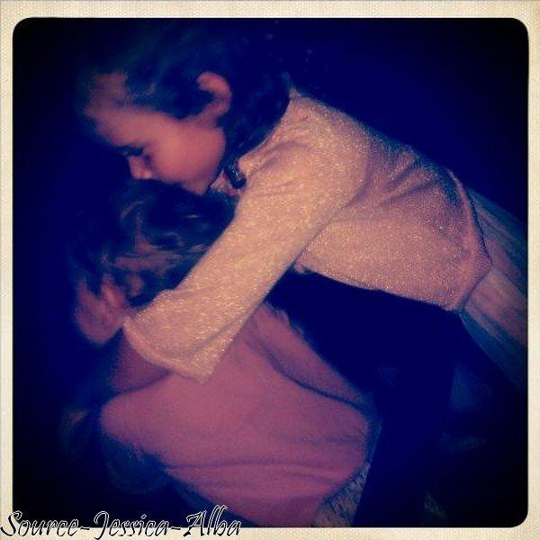 Vendredi 19 Octobre 2012 : Jessica & Cash sortant de l'hotel SLS .