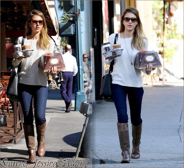 Jeudi 13 Décembre 2012 : Jessica annoncant les nominés pour les Golden Globes 2013