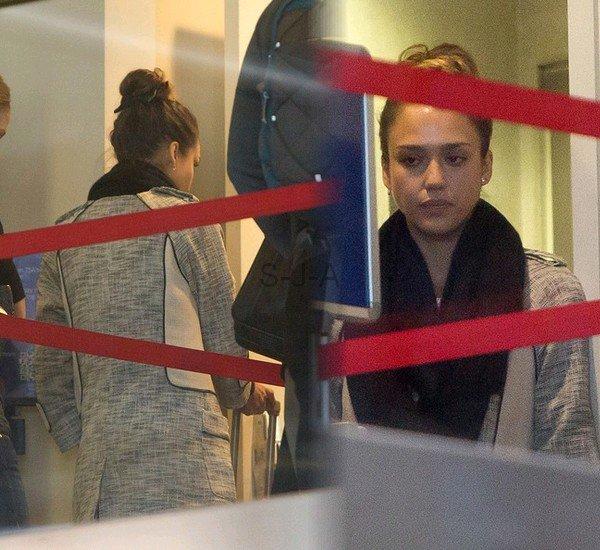 """Samedi 2 Février 2013 : Jessica à l'avant première de son film d'animation """" Escape From Planet Earth"""""""