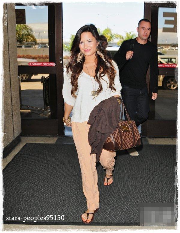 Demi Lovato : Look