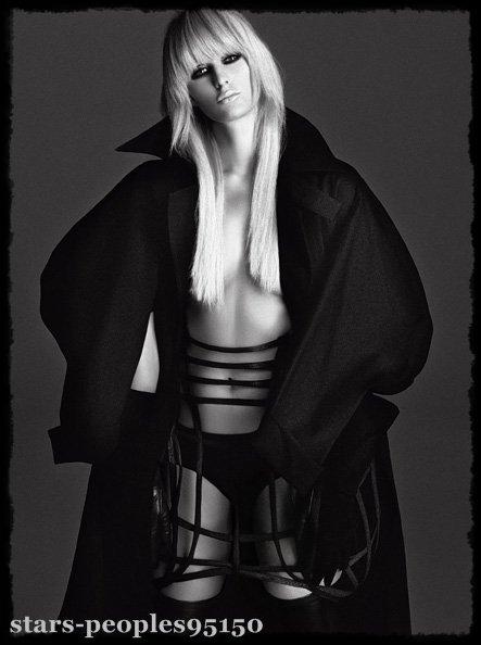 (l) Paris Hilton :Pour V Magazine (l)