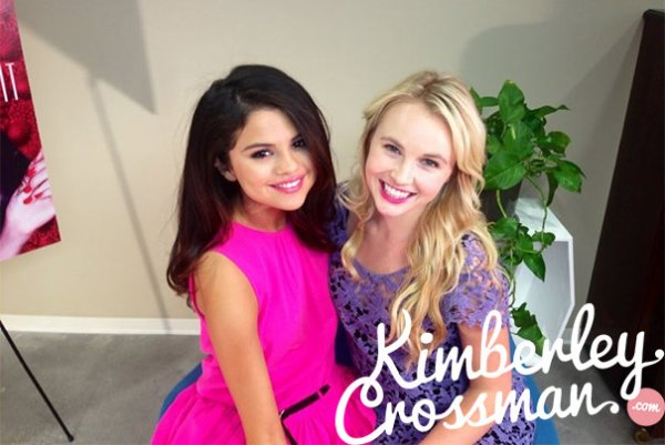Le 19/04/13, Selena interviewée par Kimberley Crossman pour Radio Disney !