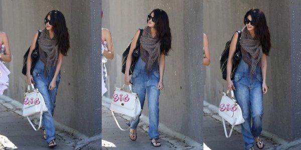 Selena allant aurépétitions pour RDMA hier dans West Hollywood, LA