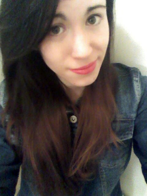 ■ ~ Mary ; 16 ans ; Clermontoise ; En couple ♥ ; Italienne ; musicienne  ♫