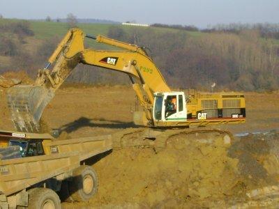 Voila petite mise en route de ce blog ou je vous propose de retrouver des photos de engins de chantier prise principalement dans l'EST de la France et de Suisse