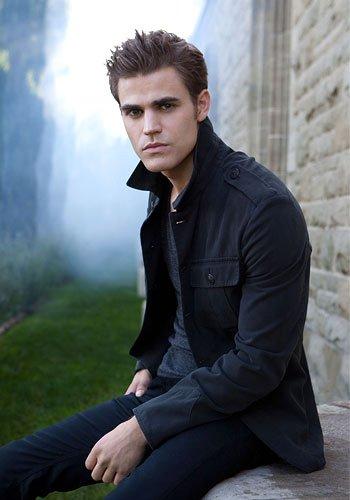 Stefan Salvatore ( un vampire )