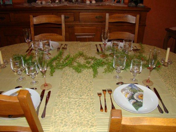 petit repas entre voisins art floral patchwork mosaique bricolage. Black Bedroom Furniture Sets. Home Design Ideas