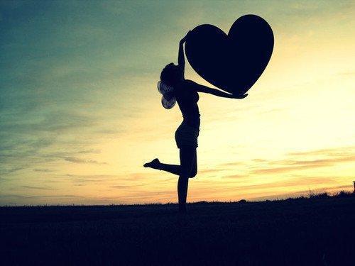 """""""Ecoute ton coeur,et ne fais pas le mauvais choix. Reste avec moi tu ne le regretteras pas""""  [ Mélissa Nkonda]"""