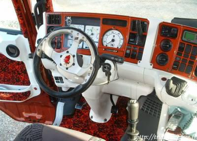 Interieur les camion tuning et decore for Interieur camion scania