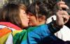 Deux jeunes femmes en prison pour s'être embrassé
