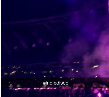 Lou film les concerts sur son snapchat :