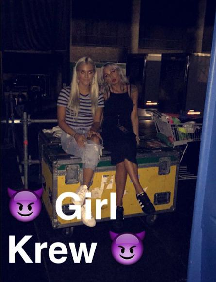 Lottie et Lou dans les backstages
