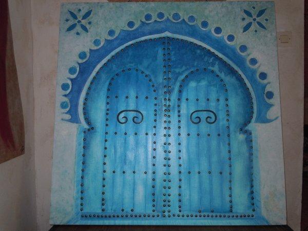 Porte marocaine avec ses clous tableau pour le concour du for Porte de versaille salon marocain