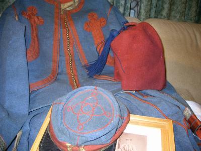12. L'uniforme d'Emile de Bie