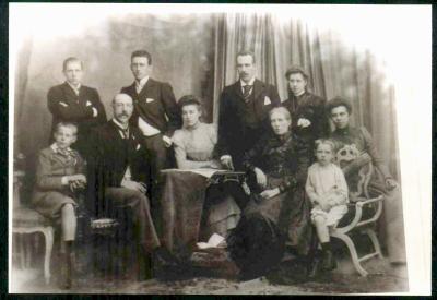 La famille de Bie au complet au début 1900
