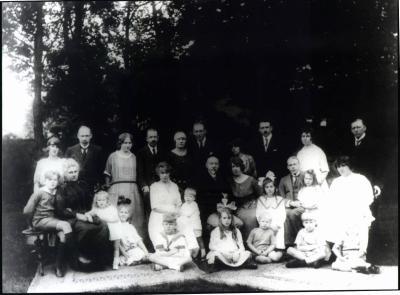 La famille de Bie vers 1920