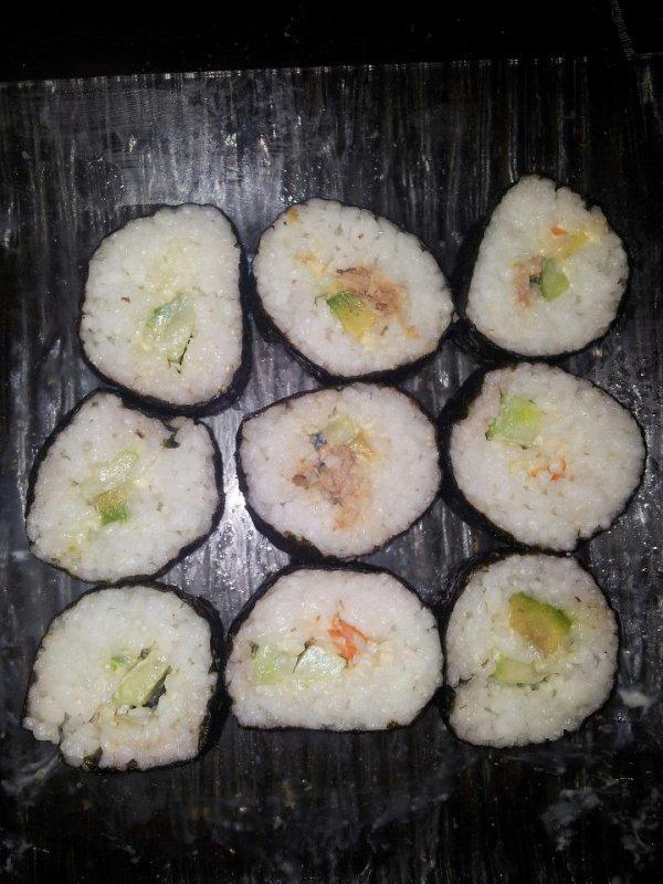 Des bon sushis fais par mon mari!!!