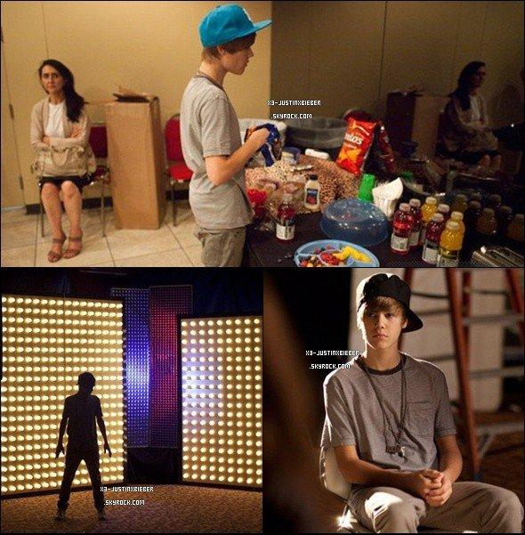 Justin dans les Backstage..