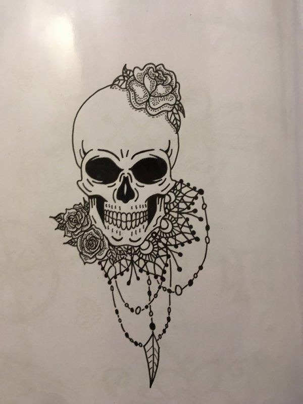 Tête de mort girly