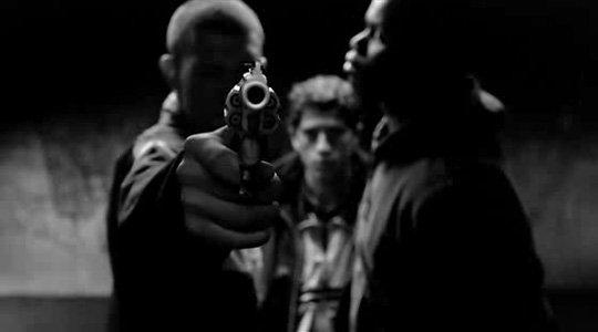 Quand tu seras seule ; Je sortirait mon gun ; Je t'avais dit que je me vengerais ; Après ça sa seras terminer ; T'auras rien a faire ; Juste a te laisser tomber a terre.