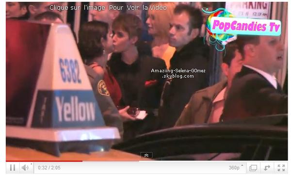 """Dimanche 27 Février : Jelena était à l'évènement  """"2011 Vanity Fair Oscar Party """". Ils ont Posés Ensemble Comme Un Vrai Petit Couple."""