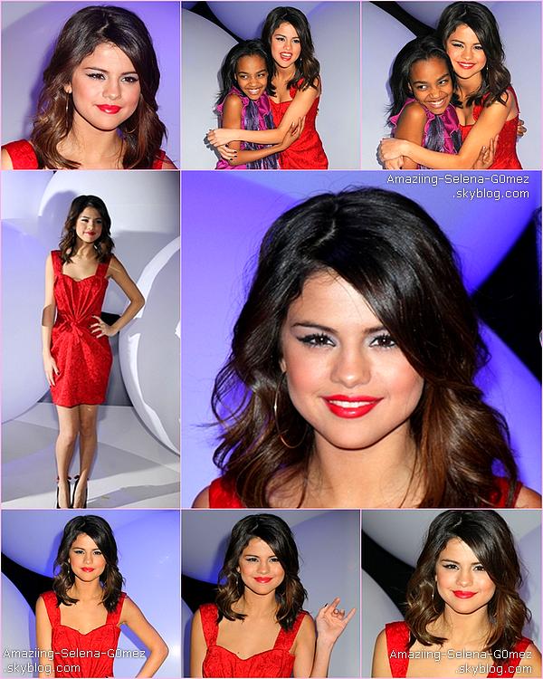 Lundi 14 Mars : Selena Quittant Son Hôtel à New York.