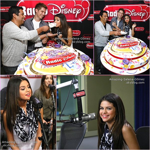 """Samedi 26 Mars : Selena et Son Groupe The Scene étaient Présent à l'évènement """"Microsoft Store Opening Concert""""."""