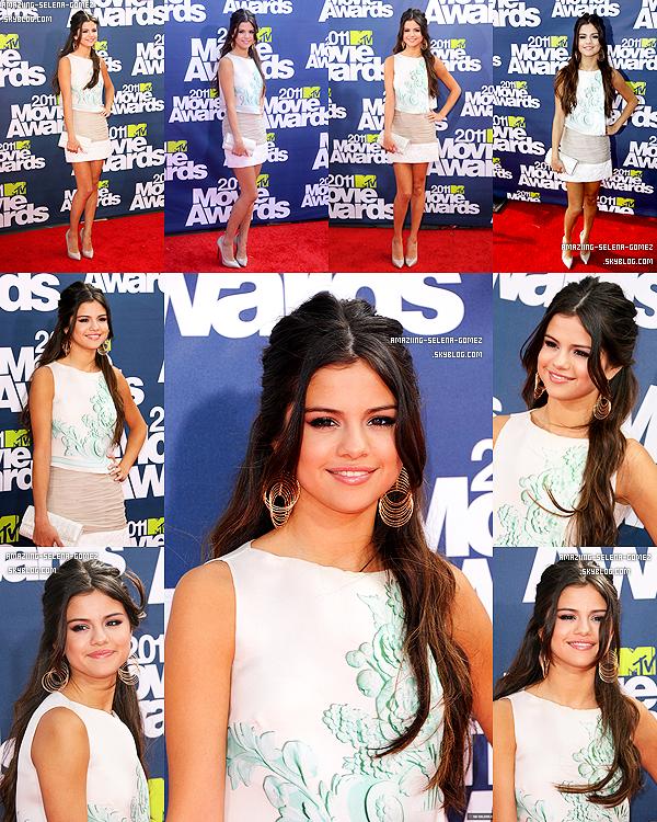 """Dimanche 5 Juin : Selena était Présente à la Cérémonie des """"MTV Movie Awards 2011"""" Qui s'est Déroulé à Los Angeles.  Top ou Flop ?"""