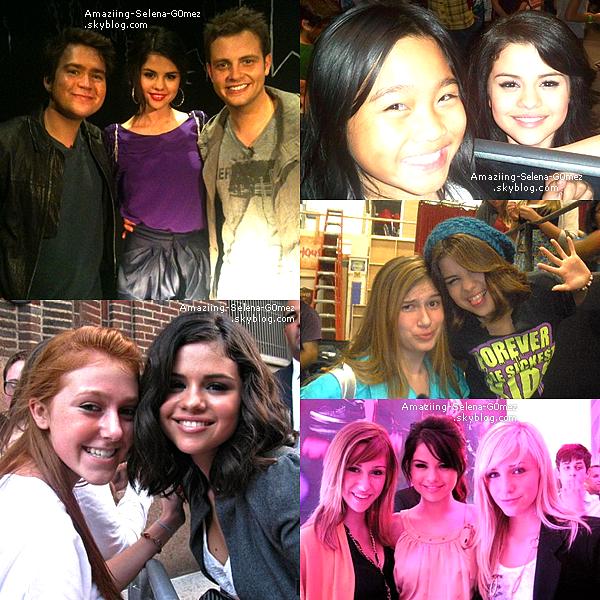 Découvrez Aussi des Photos Personnelles de Selena avec le Cast des Sorciers de Waverly Place, Dylan Sprouse ou encore Tim James de Rock Mafia.