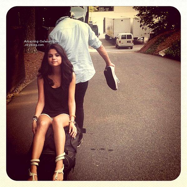 Mardi 2 août : Selena & The Scene Donnant un Concert à Atlanta en Géorgie.