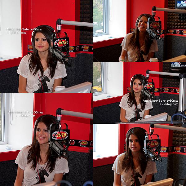 Mercredi 24 Août : Selena Donnant une Interview à la Radio Z 103.5 Toujours à Toronto au Canada. Vidéo