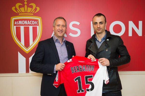 Monaco : Berbatov remplace Falcao