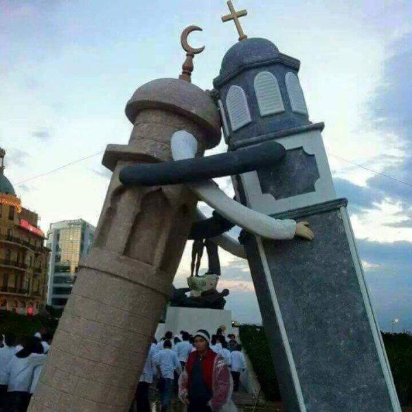 les meme dates de naissance de nos prophette mohamed et issa ( jesus ) qui tombe ds le mem mois et meme jour cette année 2015