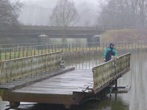le pont-tournant de Jorquenay