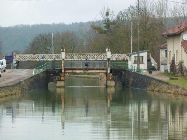 le pont-levant de Luzy