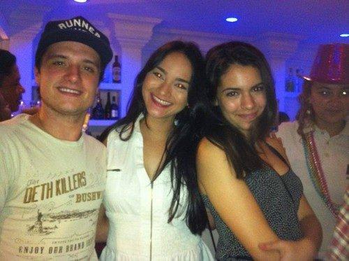 Des nouvelles photos Josh de fin de tournage de Paradise Lost avec sa girlfriend Claudia et une autre fille.