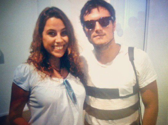 Photo de Josh à Madrid avec une fan.