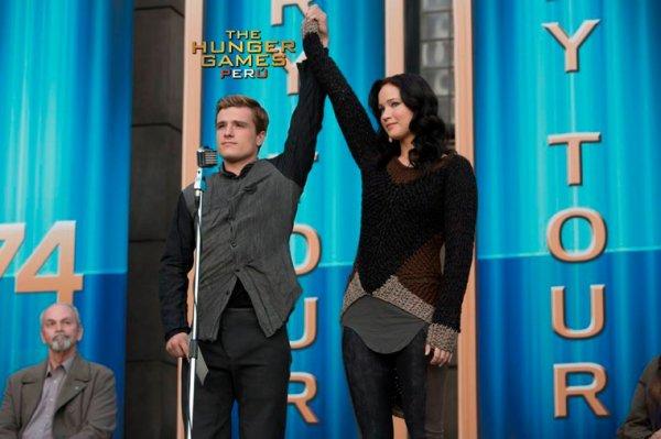 "Still de ""Catching Fire"" de Peeta et de Katniss en HQ."