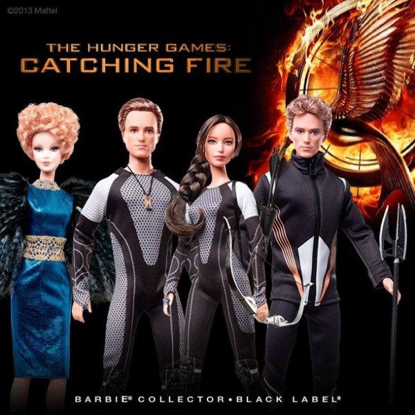 """Voici les petites figurines/poupées de """"Catching Fire""""."""