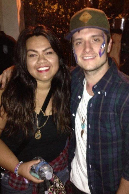 Photo de Josh avec une fan,prise le 16 octobre 2013.