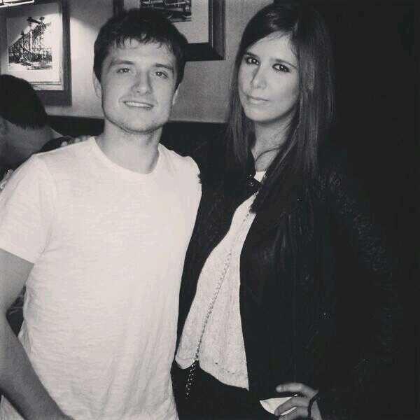 Photo de Josh avec une fan en Espagne,Spain,prise le 28 octobre.