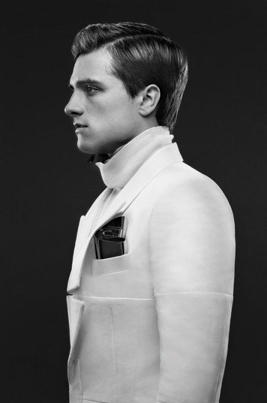 """Nouvelle photo de Peeta de """"Catching Fire"""" dans le magazine """"Variety""""."""