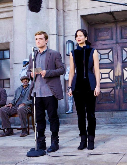 "Nouvelle photo BTS de ""Catching Fire"" en HQ."