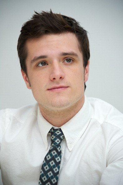 """Photos de Josh à la conférence de presse de """"Catching Fire"""",à Los Angeles."""
