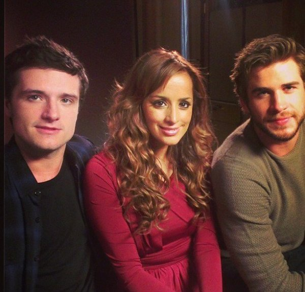 "Photo de Josh et Liam pour une interview de ""Catching Fire"",à Londres,le 11 novembre 2013."