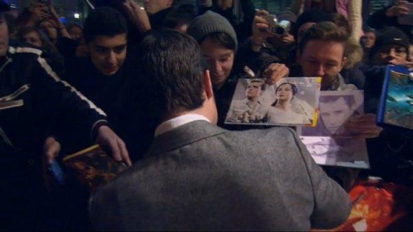 """Captures de Josh à l'AP de """"Catching Fire"""",à Berlin,le 12 novembre 2013."""