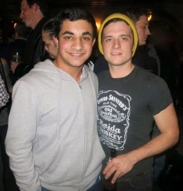 Photos de Josh avec des fans.