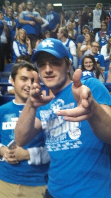 "Photos de Josh au  ""College Basketball Games "",Louisville vs Kentucky,prises le 28 décembre 2013."